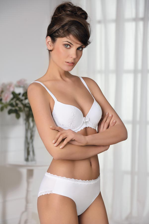 M8406 Bra with pre-shaped cup Cup C/D Size 2/6 Colours: White/Black/Silk/Petroleum M8206 Brief