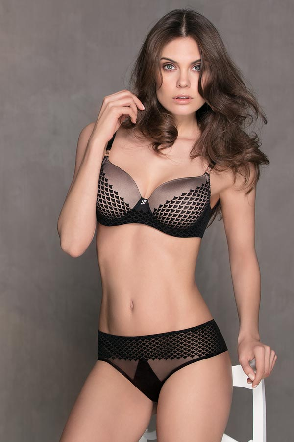 Dancer: Bra with preshaped cup and Brief